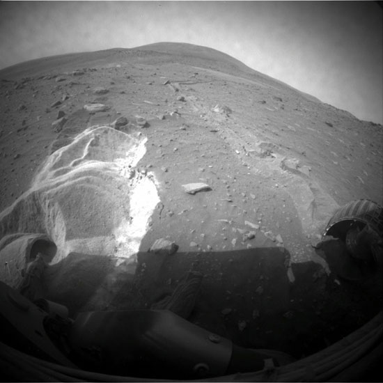 Mars Probes Team Up to Save Stuck Rover