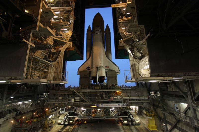 Space Shuttle Discovery Returns to Assembly Building