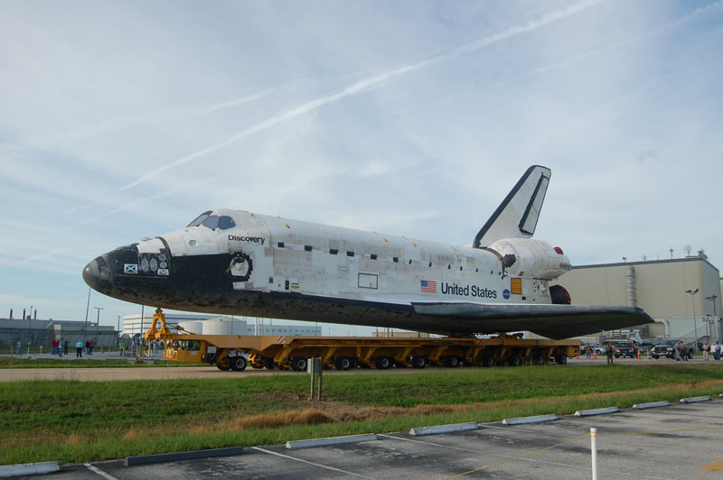 Rare Shuttle Rollover Photo Op Evokes Sadness, Pride