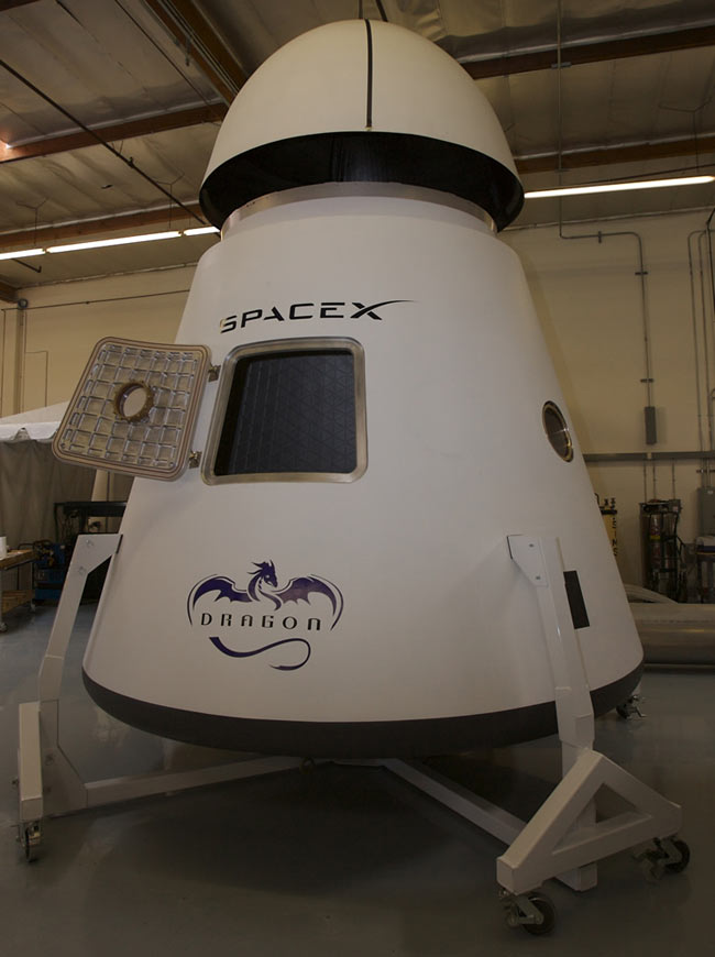 Engineering Model of the SpaceX Dragon Capsule