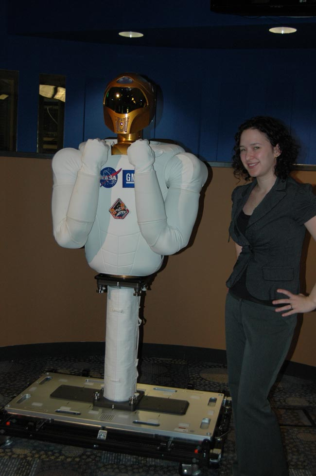 My Date With R2: Reporter Meets NASA's Strong, Silent Space Robot