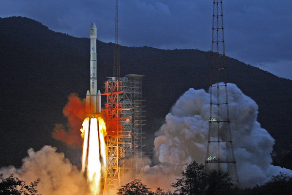 China's Chang'e 2 Lifts Off