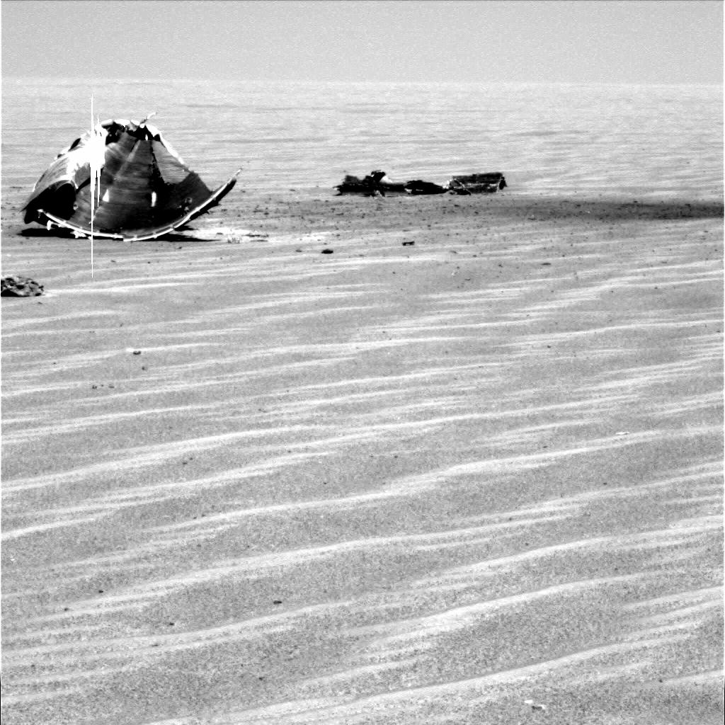 Rover Eyes Mangled Hardware on Mars