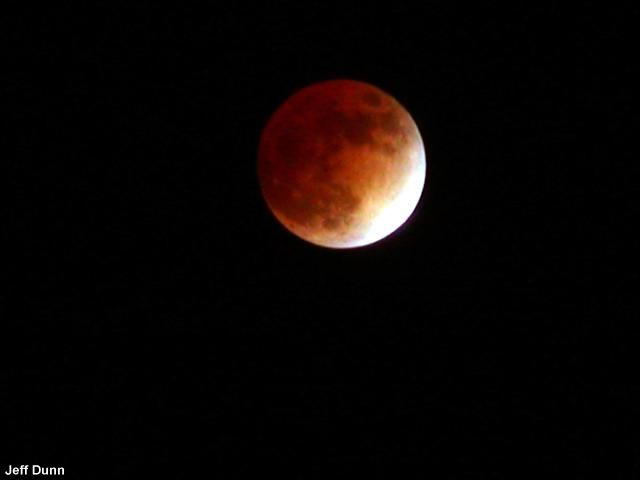 Total Lunar Eclipse to Grace World Series Game 4