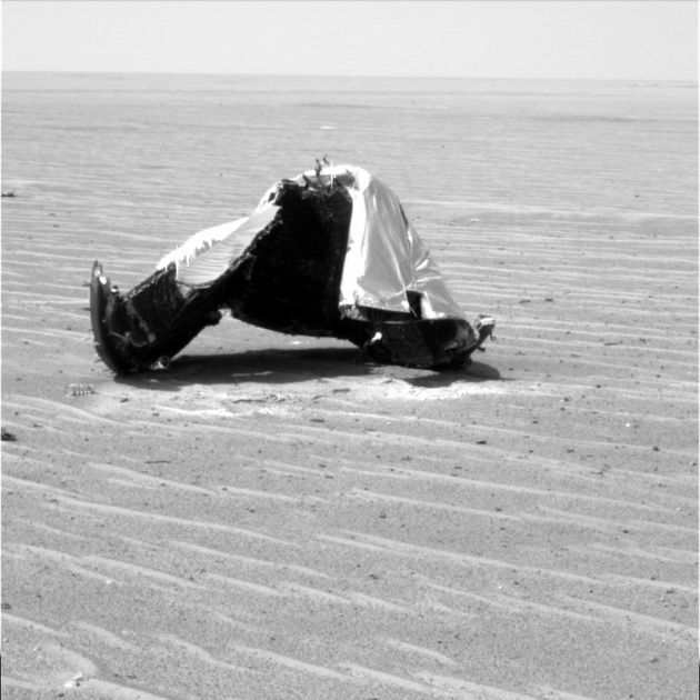 Mars Rover Inspects Its Own Debris