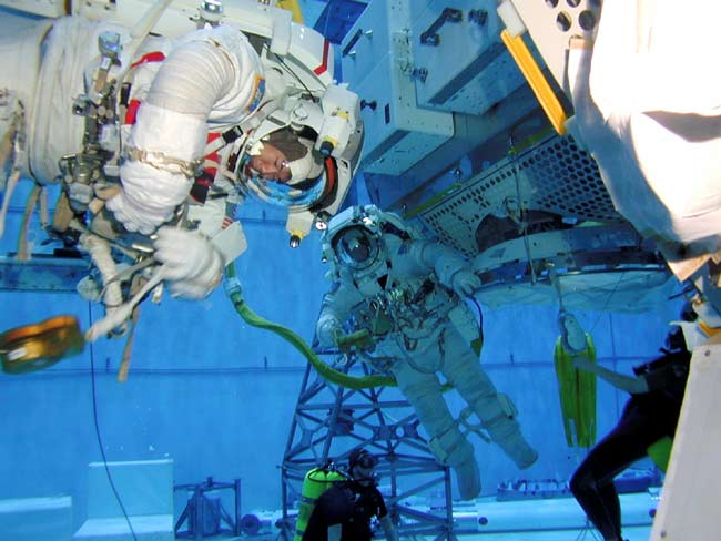 Next Shuttle Crew Conducts Spacewalk Rehearsals