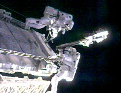 NASA Clears ISS for Spacewalks in U.S. Spacesuits