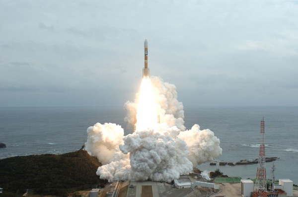 Japan Launches New Satellite on Dual Mission