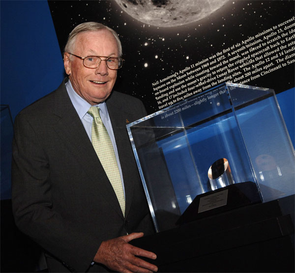 Neil Armstrong, First Moonwalker, Lands in New York