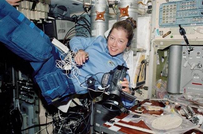 Female Space Commanders Set for Landmark Mission