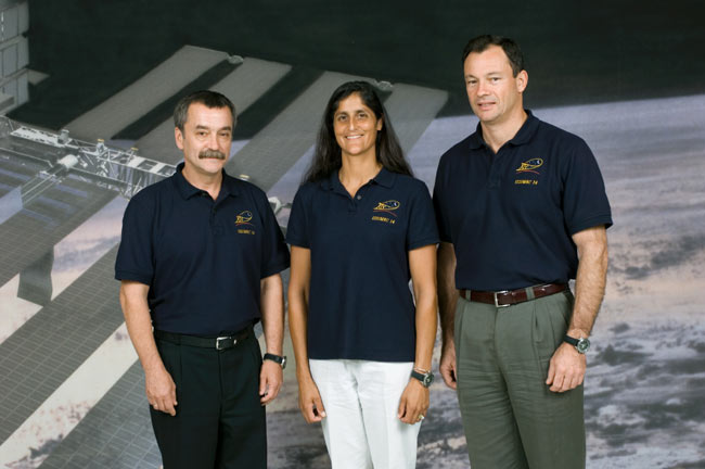 Next ISS Crew, Space Tourist Ready for Flight