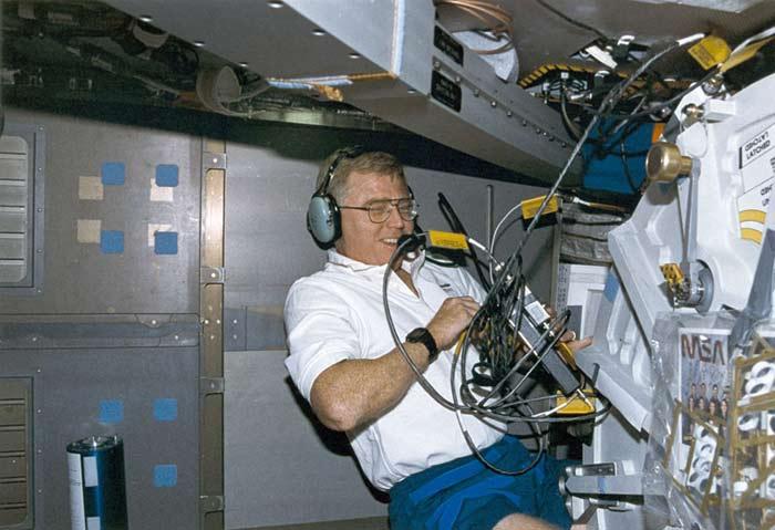 STS-78 Astronaut Charles Brady, 54, Dies