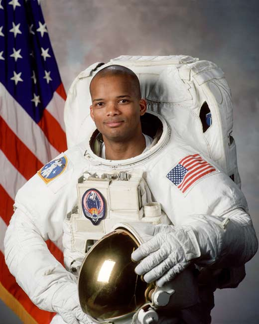 Astronaut Biography: Robert L. Curbeam, Jr.
