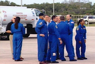 Discovery Shuttle Astronauts Arrive at NASA Spaceport