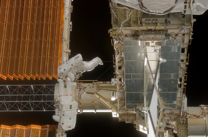 Spacewalkers to Help Fold ISS Solar Array