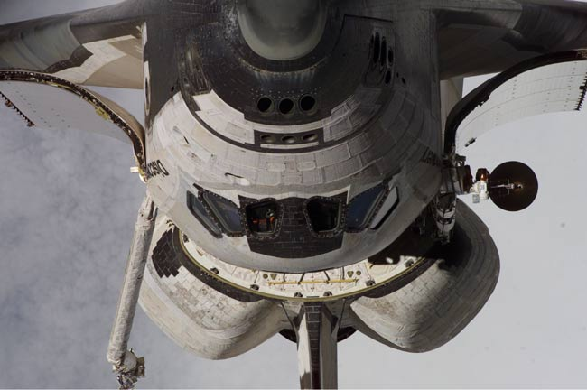 Astronauts' Space Shuttle Inspection Slowed by Antenna Malfunction