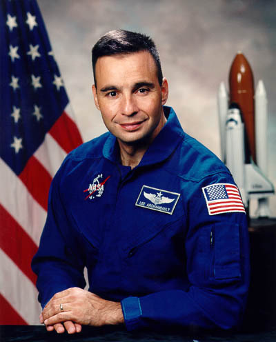 Astronaut Biography: Lee Archambault