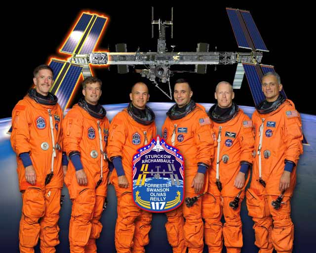 Next Shuttle Astronauts to Fly Take Aim at ISS