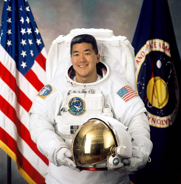 Astronaut Biography: Daniel Tani