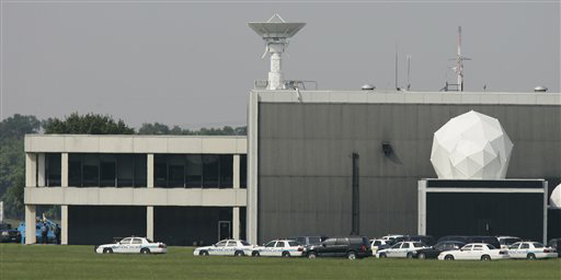 Man Kills Self, Hostage at NASA's Johnson Space Center