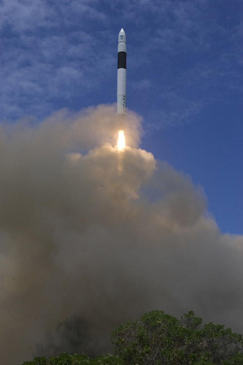 Minute Defect Delays SpaceX's Falcon 1 Launch Again