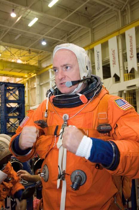 Mission Endeavour: Shuttle Commander, Pilot Aim for Orbit