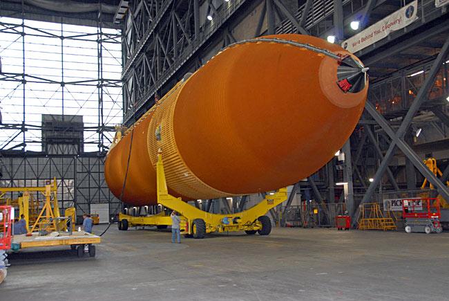 NASA to Modify Next Shuttle Fuel Tank to Fly