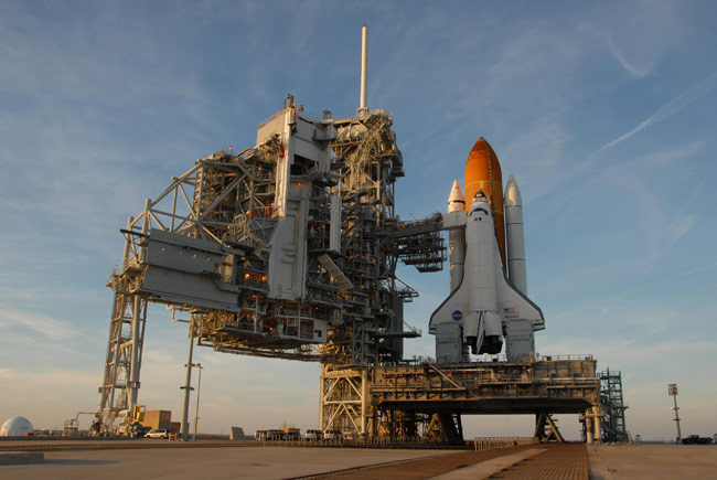 NASA: Shuttle's Kinked Hose to be Stowed for Launch