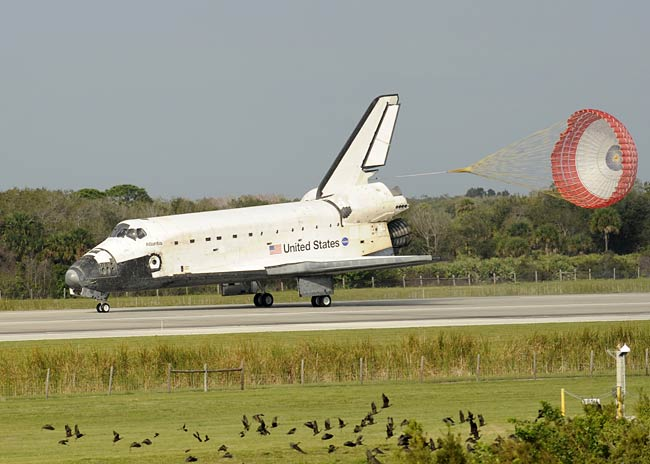 Shuttle Atlantis Returns to Earth Safely