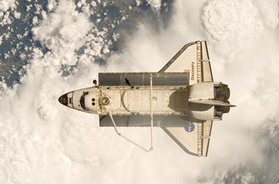 Space Shuttle Crew Prepares for Saturday Landing