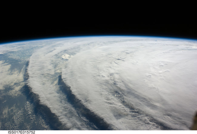 NASA: Hurricane Won't Delay Shuttle Flights