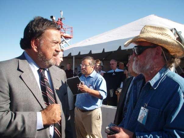 New Mexico Governor Richardson and SPACE.com Columnist Leonard David