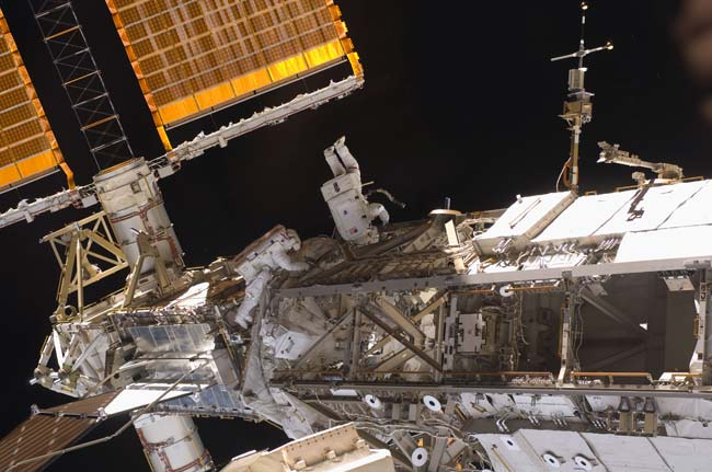 Astronauts Set for Final Spacewalk in Station Repair