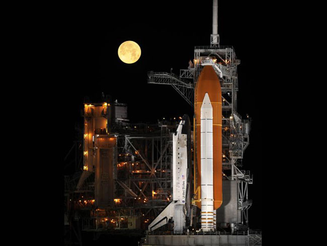 Gas Leak Delays Space Shuttle Launch