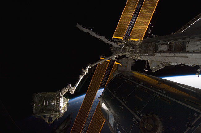 Spacewalkers Successfully Attach Station's Solar Wings