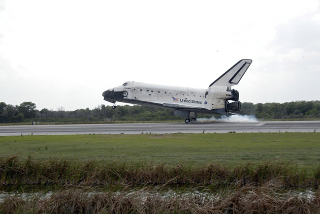 After Shuttle's Success, NASA Aims to Save Hubble