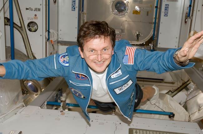 Billionaire Space Tourist's Landing Delayed a Day