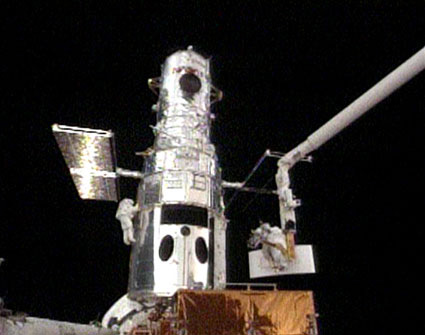 Astronauts Give Hubble Telescope New Camera Eye