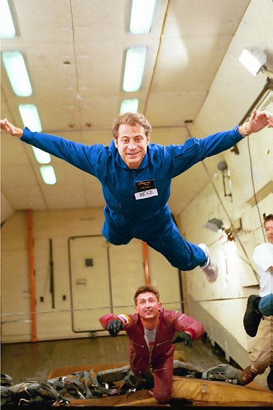 Zero-G Launches Airborne Weightless Science Lab