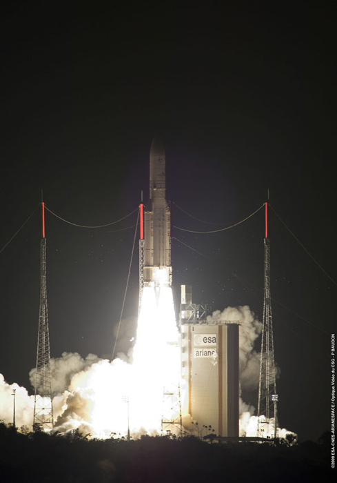 Ariane 5 Rocket Launches Satellite Duo for Japan, Australia