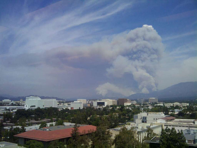 Wildfire Blazes Near NASA's Calif. Facility