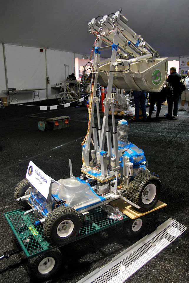 Robots Win $750,000 Digging Fake Moon Dirt