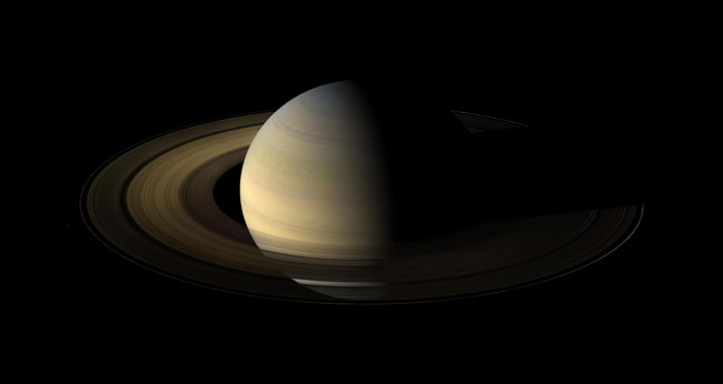 Saturn's Equinox Leaves Rings in Long, Cold Night
