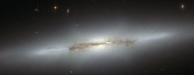 Hubble Spies Galaxy's Big Bulge