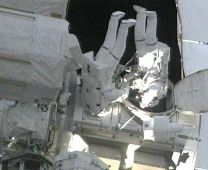 Astronauts Speed Through Second Spacewalk