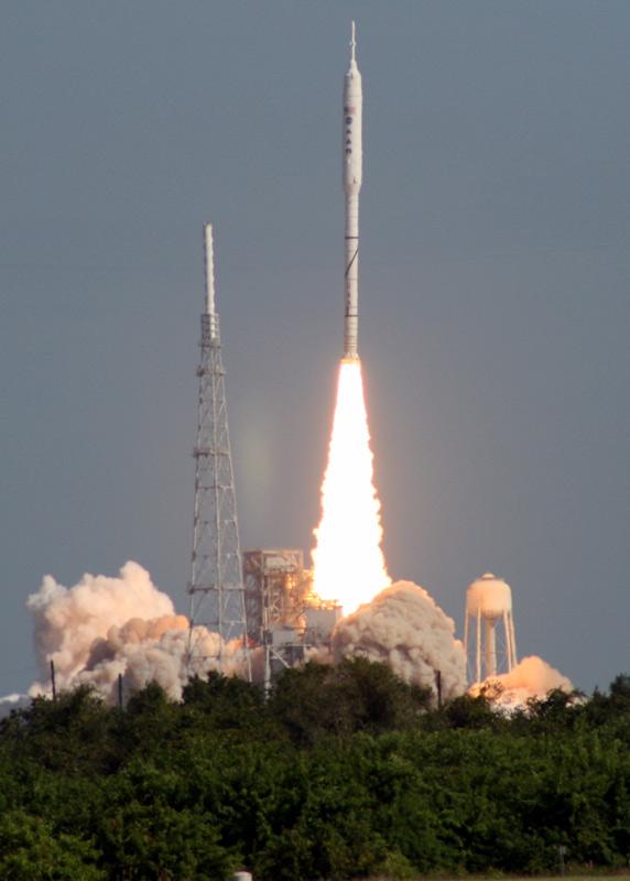 Ares I-X Rocket Blast Off