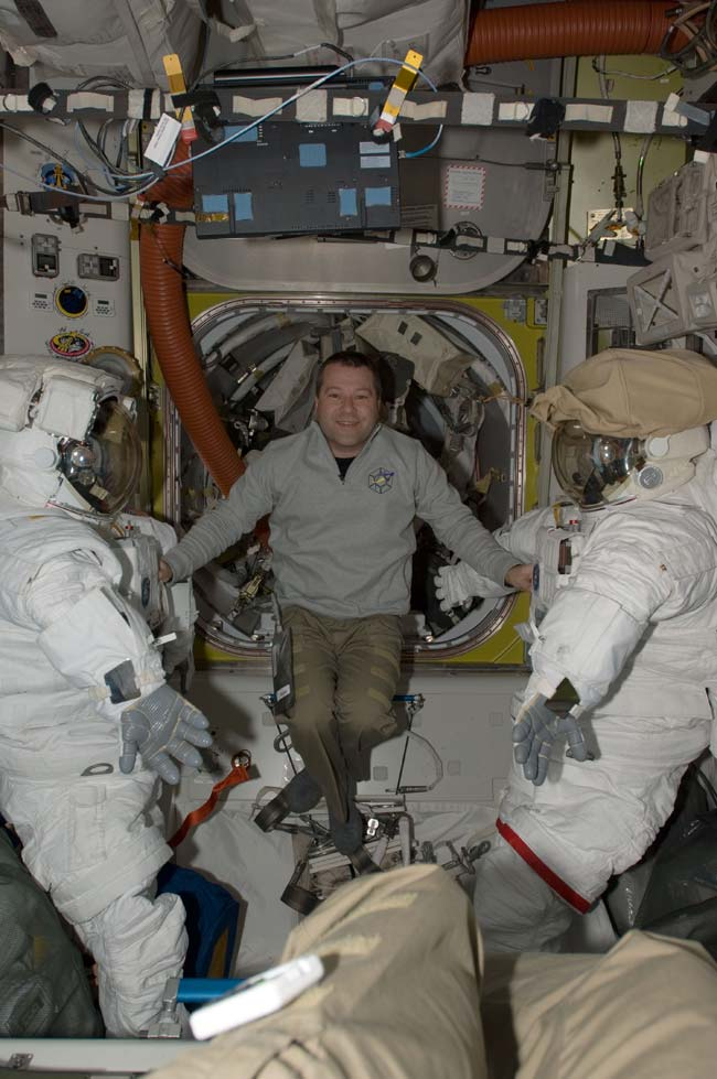 Shuttle Astronauts Gear Up For First Spacewalk
