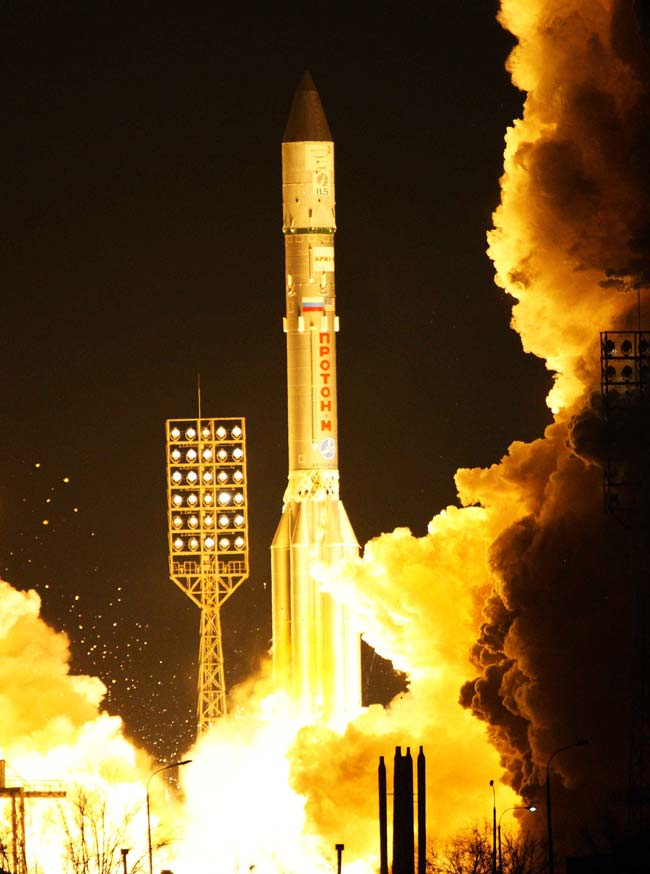 Proton Sends Broadcasting Satellite to Space for Intelsat