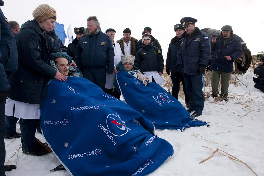 Space Station Astronauts Make Frigid Landing in Soyuz Spacecraft