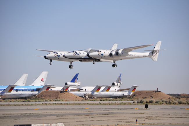 Virgin Galactic Flies Passenger Spaceship and Mothership for First Time